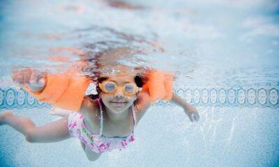 Prepara el traje de baño y disfruta de actividades en albercas de Sport City